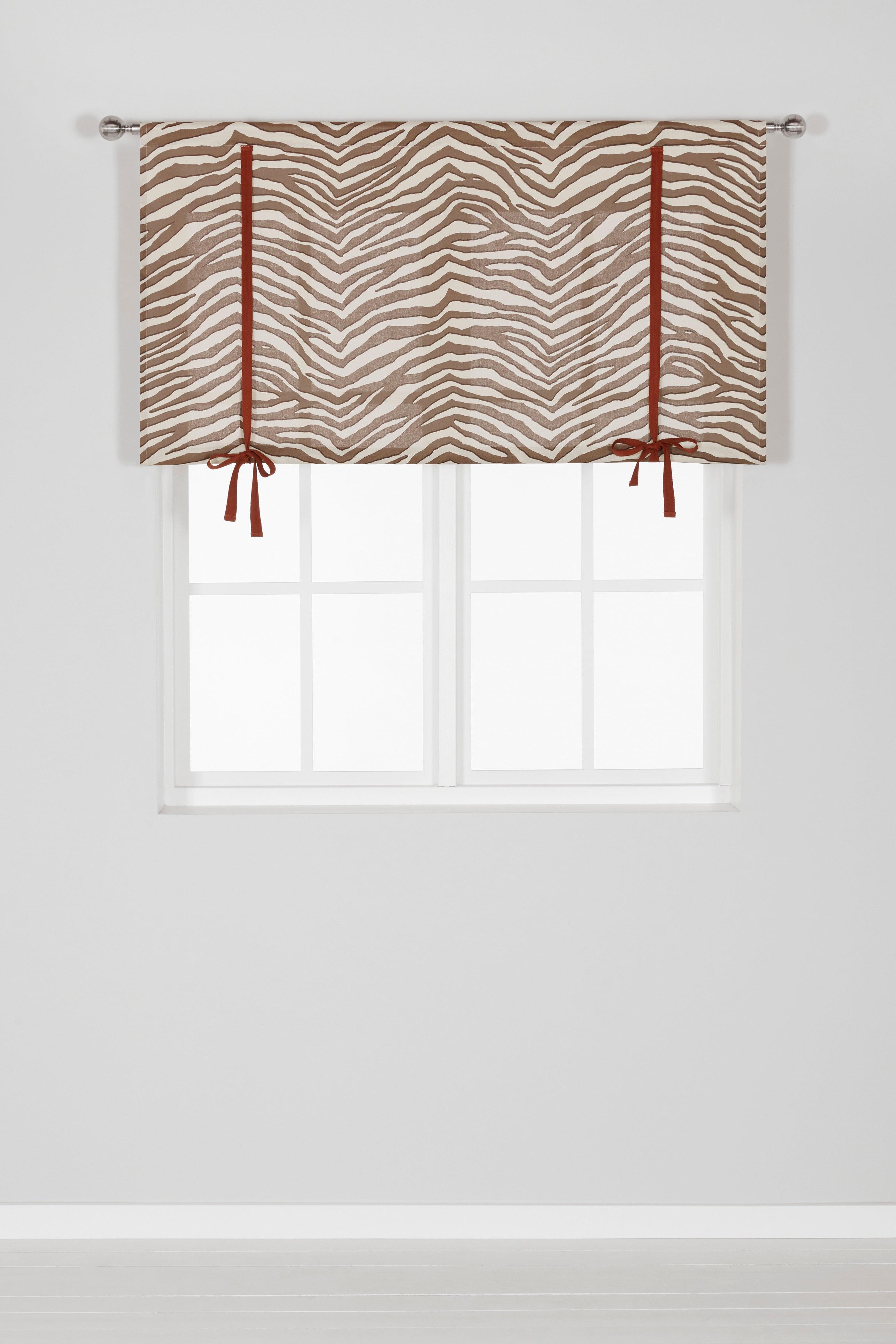 Stahovací záclona se vzorem